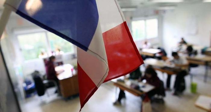 classe-ecole-drapeau-francais-france_article_large.jpg