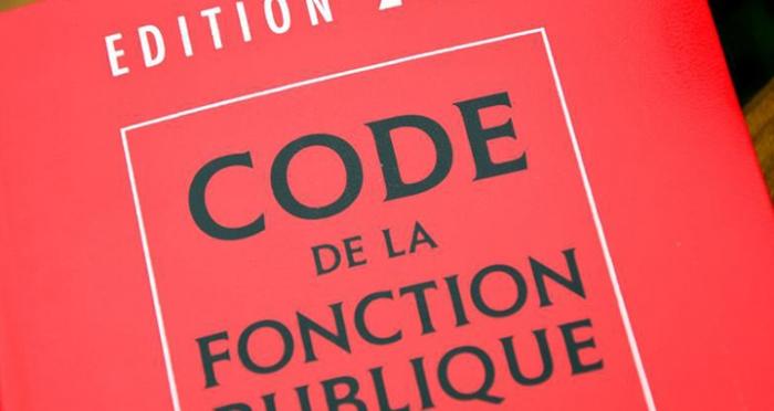 Soumettre Les Contrats Des Agents Publics Au Droit Prive Fondation