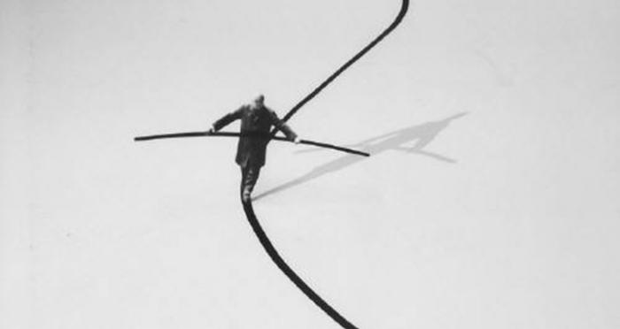 gilbert_garcin_le_funambule_the_tightrope_walker_2002_4021_417.jpg