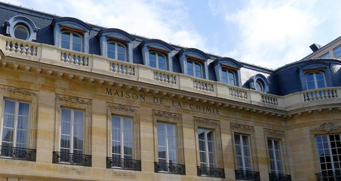 p1020484_paris_vii_rue_saint-dominique_ndeg28_hotel_de_la_rochefoucauld_destissac_rwk.jpg